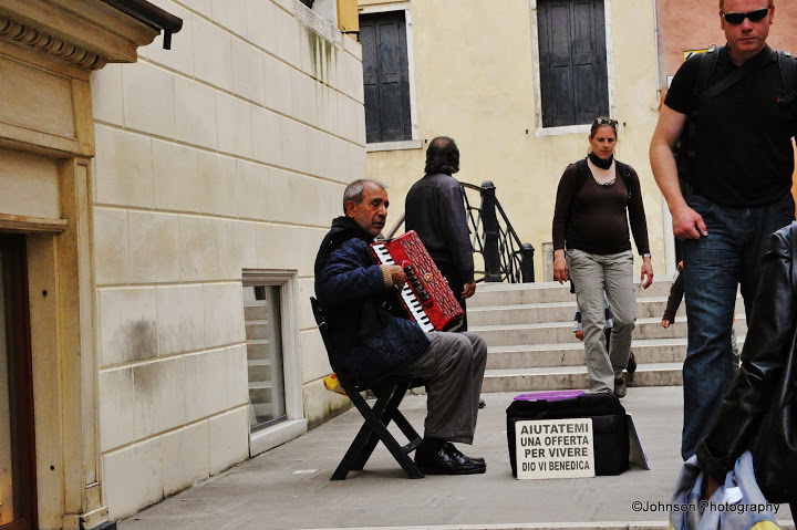 Venice Street View - The musician