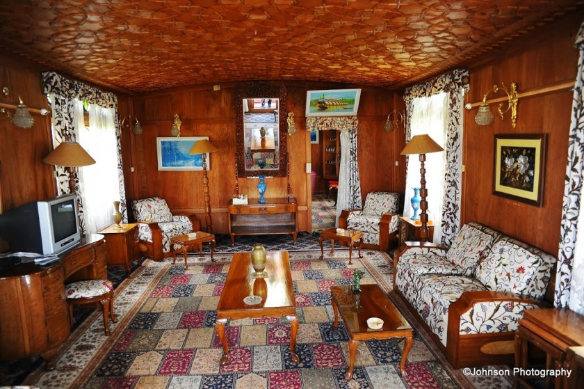 Houseboat - Interior