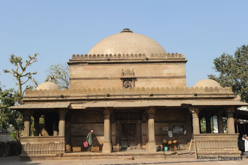 The mausoleum of Dhai Harir Sultani